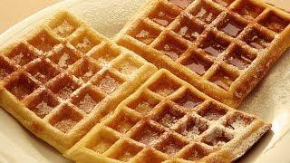 Как приготовить вафли | вафли рецепт(Смешайте ванилин, пекарский порошок и соль с мукой В другую миску разбейте 2 яйца Добавьте сахар Взбейте..., 2014-05-17T20:33:02.000Z)
