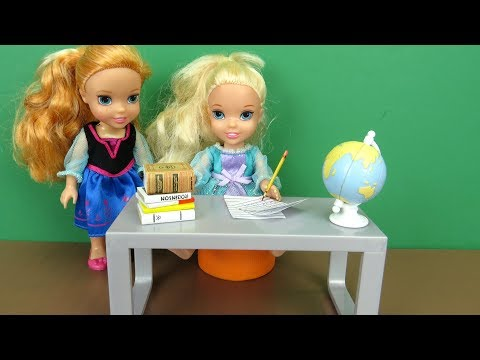 Weekend Homework ! Elsa and Anna toddlers - Morning routine - someone wakes up late