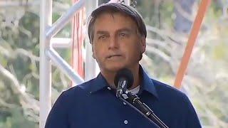 Bolsonaro se pronuncia sobre duplicação da BR-469 no Paraná e é ovacionado por multidão