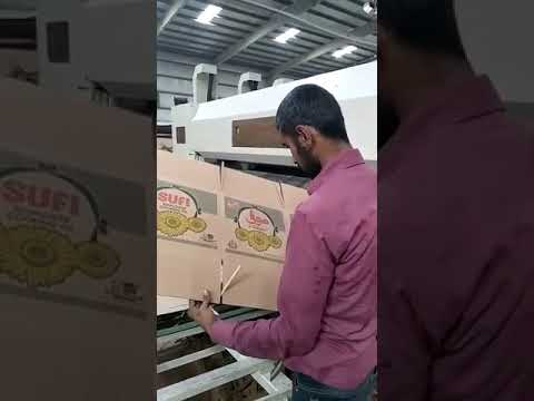 PAKISTAN LEAD EDGE FOUR COLOR DIE CUTTING MACHINE WITH STCAKER