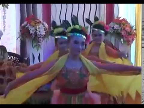TARI KEMBANG PESISIRAN Persembahan DHIMAS ASMORO WEDDING ORGANIZER