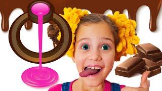 Эля и Дима - шоколадный челлендж для детей , сладости и шоколадные предметы
