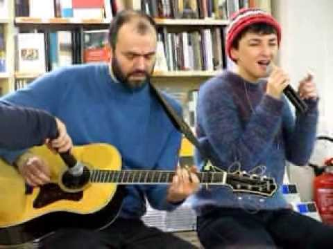 Arisa live acoustic alla Feltrinelli