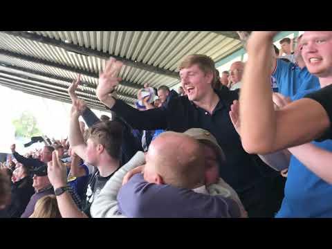 Leeds Fans   LEEDS AWAY DAYS AT MILLWALL
