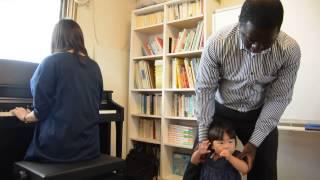 1歳からのリトミック!プロピアニストと英会話講師の贅沢なリトミック...
