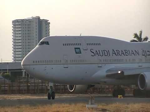 Airplane spotting at Manila Ninoy Aquino international airport (MNL) 747 Take off