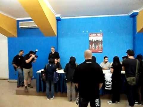 Linkin park meet greet a thousand suns world tour jakarta linkin park meet greet a thousand suns world tour jakarta indonesia 21 sept 2011 1 m4hsunfo