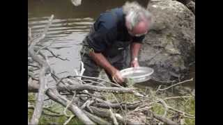Digging for sapphires at the Old Mine, Yarrow Creek near Glen Innes NSW Australia (2)