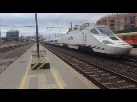 Trains at Tarragona Mediterranean Corridor + Madrid to Barcelona Conventinal line 23/8/16