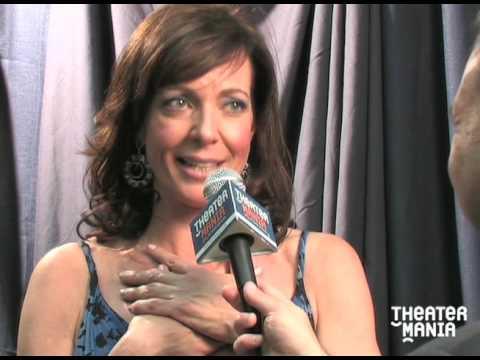2009 Drama Desk Awards Interview with Winner Allison Janney
