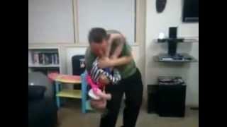 Dancing Daddy.3gp Thumbnail
