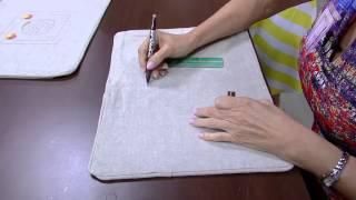 Almofada bordada com barbante tingido e linhas – Rosana Prado PT1