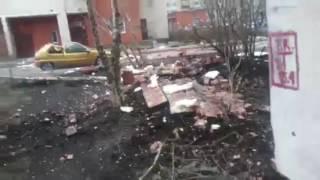 Взрыв возле 5 школы в  Ростове,  Обрушение жилого дома на Солидарности 21 из-за взрыва