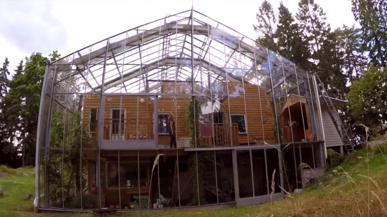 дом в теплице швеция