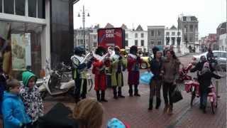 K&G Pietenband 2012 Daar wordt aan de deur geklopt