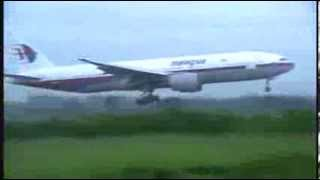 Malaysia Airlines B777 landing, taxi and takeoff Alor Setar Airport (Hajj Flights)