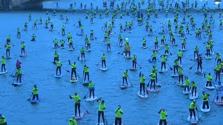 Paddle boarders invade the Seine in Paris | AFP