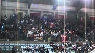 Il tifo dei fans forlivesi e l'esultanza di quelli riminesi alla fine di Rimini-Forli