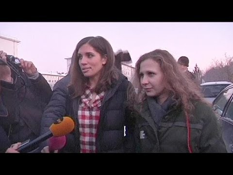 Freed Pussy Riot members to work together for human rights in Russia