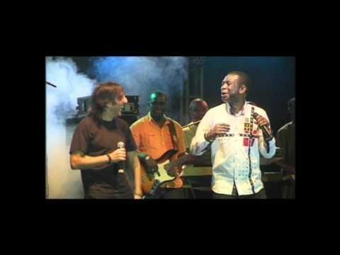Antonio Carmona y Youssou N'Dour arrasan en el III Festival Afroflamenco Dakar mp3