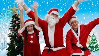 VIRAMOS AJUDANTES DO PAPAI NOEL POR UM DIA! Santa's Little Helper.