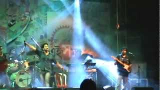 Lakkhichhara - Prithibita Naki Choto Hote Hote (Live)