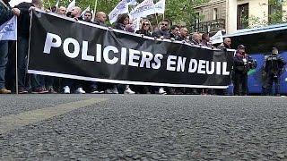 Французские полицейские хотят большего уважения