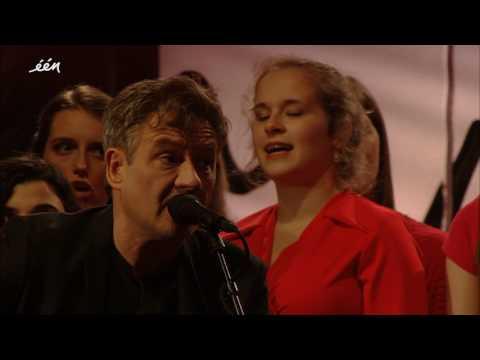 Bart Peeters en het koor zingen 'Hemel' - 22/3 - 1 jaar later