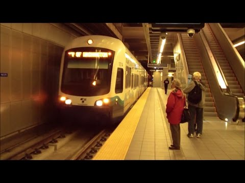Seattle: Sound Transit: Central Link Light Rail Trains at Capitol Hill Station