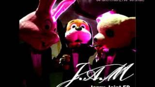 "J.A.MはSOIL&""PIMP""SESSIONSの3人によるピアノトリオ i Tunesのみの限定..."