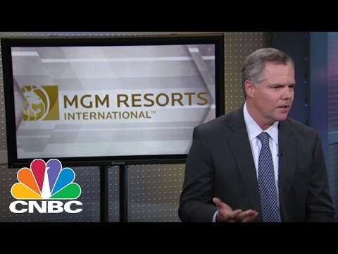 MGM CEO makes 1st public appearance since Las Vegas shooting