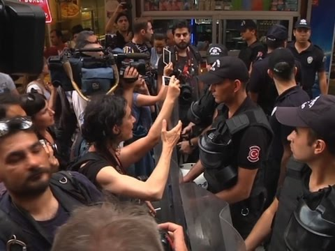 Raw: LGBT Activists, Police Scuffle in Istanbul