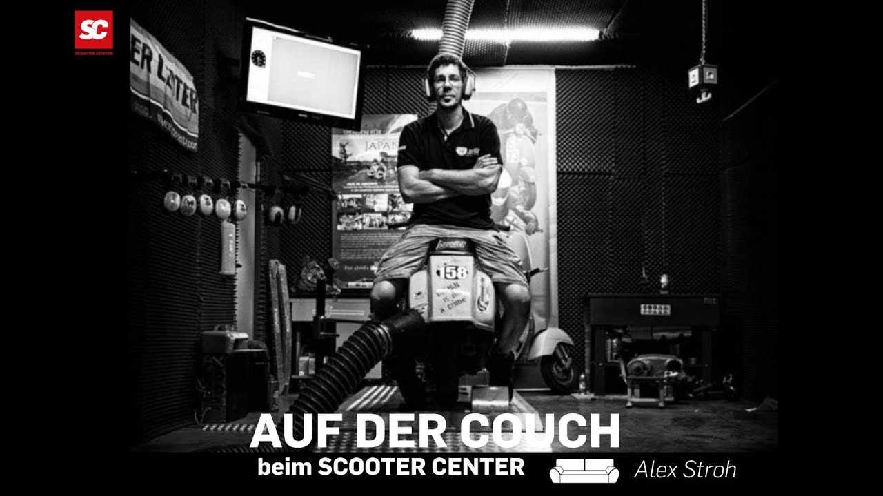 Vespa Platónika. Auf der Couch beim SC- Interview mit Alex Stroh Scooter Center