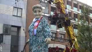 Royal de luxe - Grandmother Giant - Limerick, Ireland 2014