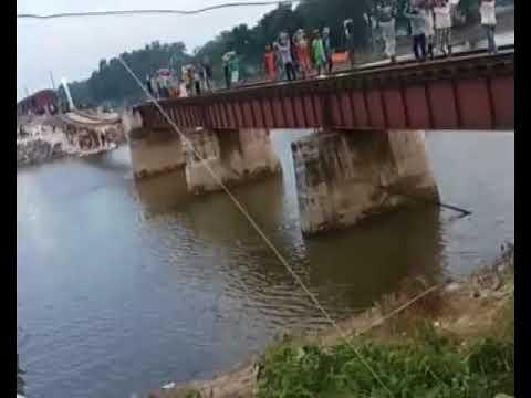 तेलता सुदानी रेल पुल के मरम्मत का कार्य जारी