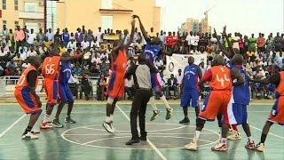 South Sudan Basketball Players Honour Nba End Manute Bol