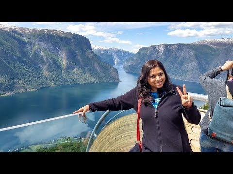 How a Solo Woman Traveler Explores the World