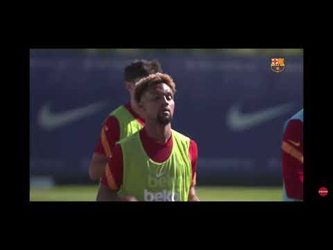 Download Barcelona today training session