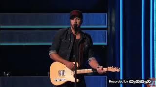 Luke Bryan 2018 CMA - What Makes You Country