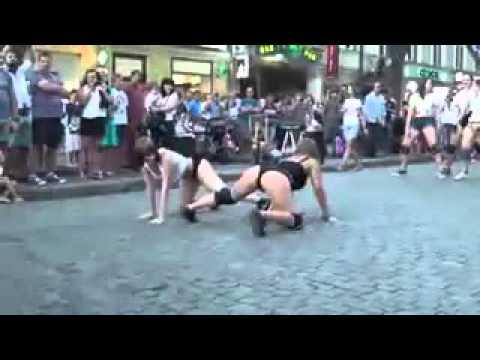 Видео голые танцы они же эротические танцы от голых девушек