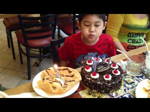 Andrew Tsao's 6th Birthday lunch at Chilli's, Rockwell