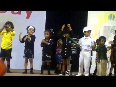 Reyaa dancing for 'Chai Chai Coffee Coffee' song