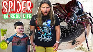 ROBLOX SPIDER IN REAL LIFE! STUCK IN SCARY Roblox GAME! ESCAPE SPIDER ROBLOX!