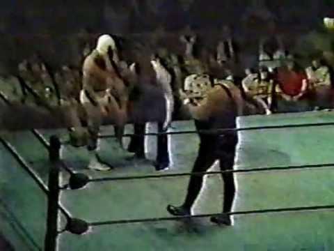 Masked Superstar vs Mr. Wrestling II - Georgia Championship Wrestling (Columbus, GA house show)