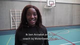 Minister Dalle traint mee met vrouwenbasketploeg Molenbeek Rebels