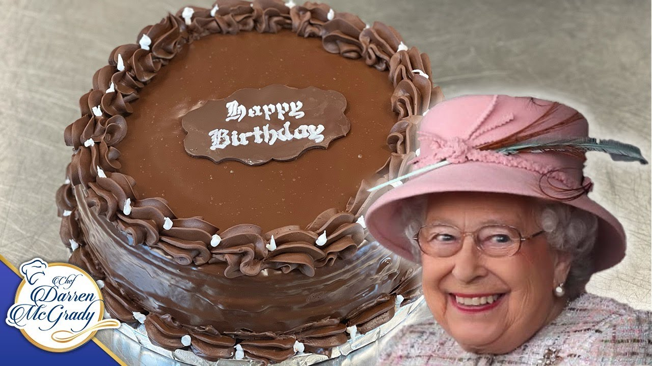 Former Royal Chef Shares The Queen S Chocolate Birthday Cake Recipe Youtube