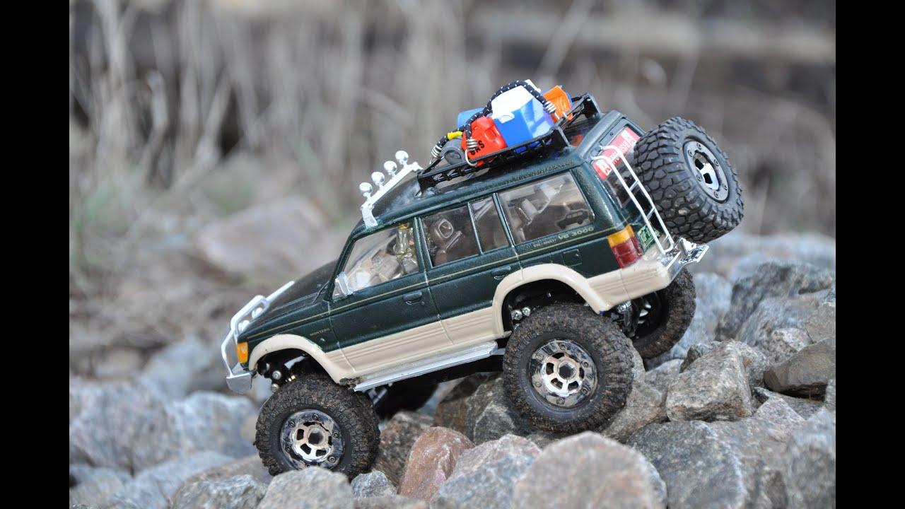 Model rock crawlers