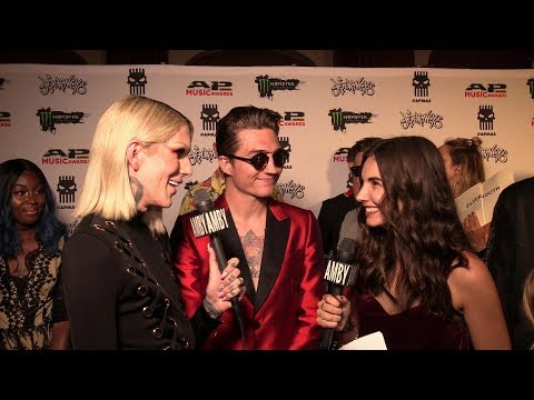 Interview with Jeffree Star (2017 APMAs Red Carpet)
