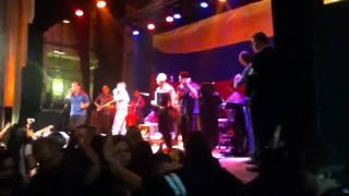 Jorge Celedon y Jimmy Zambrano: Cumbia. En concierto Londres