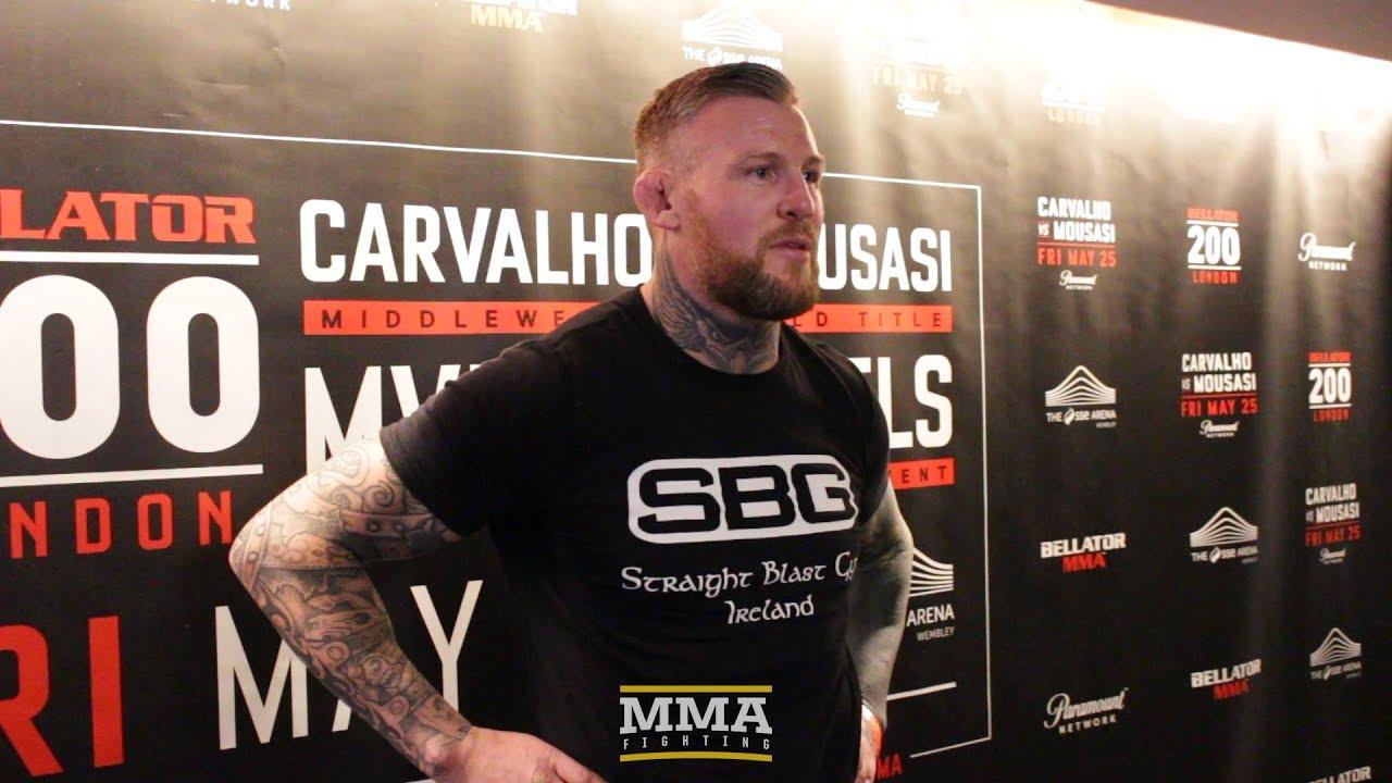 Rashguard MMA Staredown